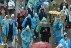 easter_procession_ukraine_pochaev_sr_1354