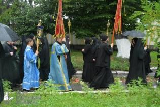 easter_procession_ukraine_pochaev_sr_1383