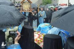 easter_procession_ukraine_pochaev_sr_1387