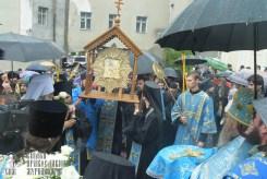 easter_procession_ukraine_pochaev_sr_1390