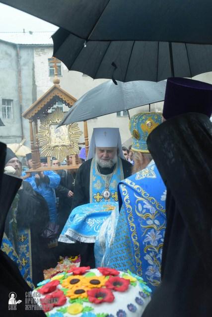 easter_procession_ukraine_pochaev_sr_1393
