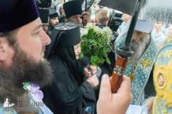 easter_procession_ukraine_pochaev_sr_1399