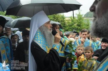 easter_procession_ukraine_pochaev_sr_1406