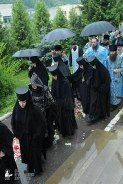 easter_procession_ukraine_pochaev_sr_1412