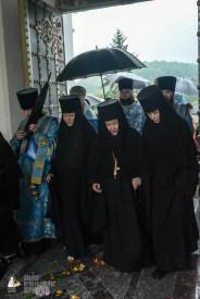 easter_procession_ukraine_pochaev_sr_1418