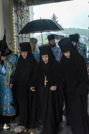 easter_procession_ukraine_pochaev_sr_1420