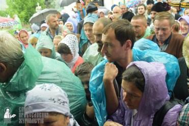 easter_procession_ukraine_pochaev_sr_1435
