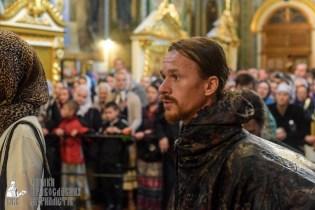 easter_procession_ukraine_pochaev_sr_1452