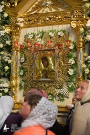 easter_procession_ukraine_pochaev_sr_1468