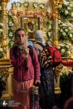 easter_procession_ukraine_pochaev_sr_1471