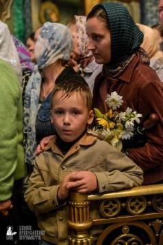 easter_procession_ukraine_pochaev_sr_1479