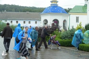 easter_procession_ukraine_pochaev_sr_1491