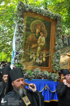 easter_procession_ukraine_an_0128