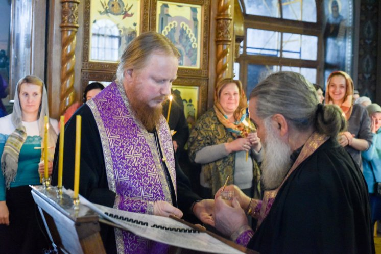 orthodoxy_chrism_iona_0133