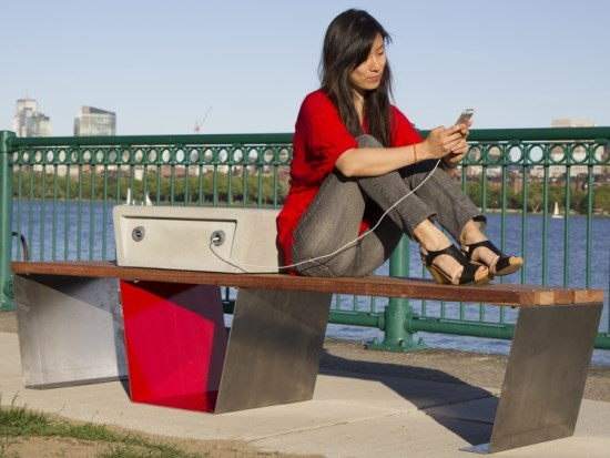 MIT_Boston_solar_bench_Soofa