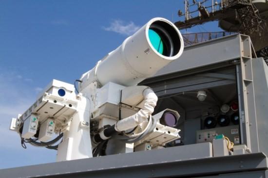 USS_Ponce_laser