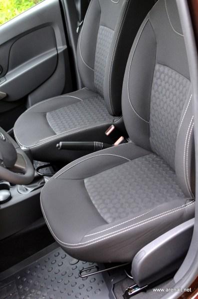 Dacia-Sandero-Interior (3)