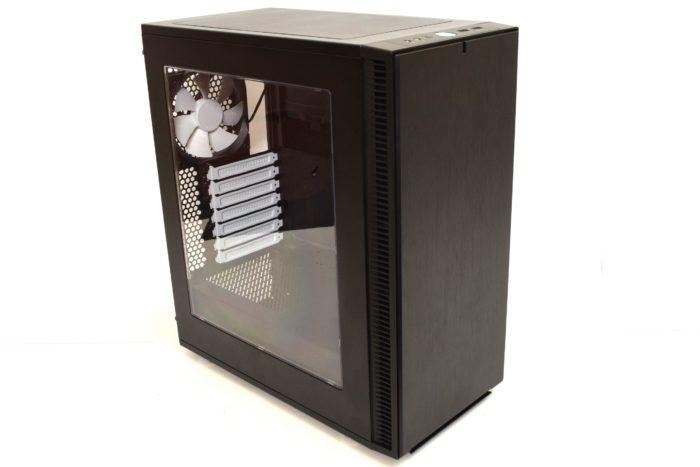 Review carcasă Fractal Design Define C