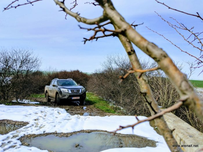 Nissan Navara NP300 190 CP automat review: o masina ideala pentru ferma de la munte