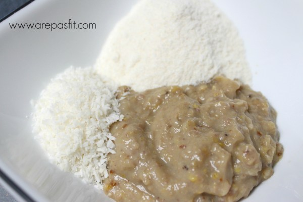 Arepa de Plátano y Coco | arepasfit.com