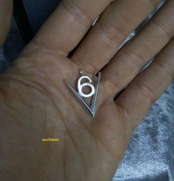 v6 pendant  v6 engine  v6 motor  car jewelry  arespalette 2