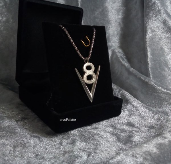 v8 necklace v8 pendant v8 pendentif american muscle cars car jewelry arespalette 8