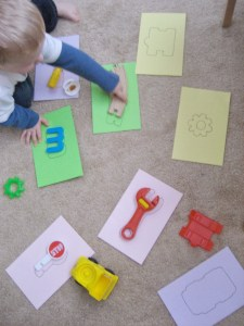 easy toddler puzzles with toys
