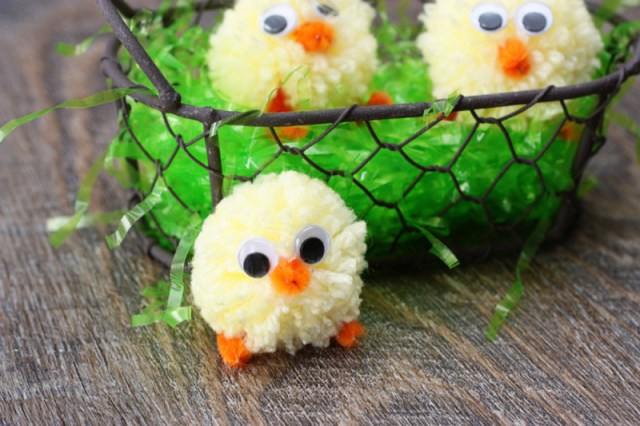 pom-pom-chicks-in-basket-800x533