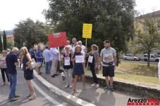 Sit-in davanti al Tribunale di Arezzo 01