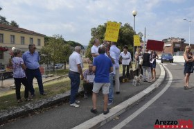 Sit-in davanti al Tribunale di Arezzo 02