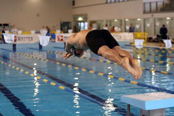 In vasca ad ogni età: al via la stagione dei Master della Chimera Nuoto
