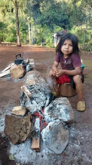 Mbya. Foto Niña Indigena (El Soberbio)