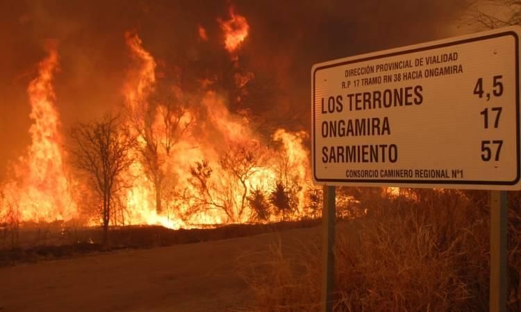 Córdoba: desesperación ante los incendios forestales fuera de control en  las sierras que se extienden de Copacabana a Punilla, afectando Capilla del  Monte - Argentina Forestal