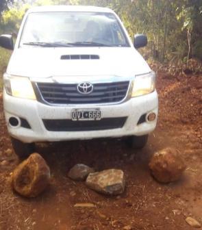 Atentado Piedras en el camino