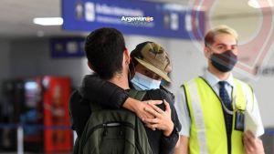 El Gobierno autorizó el ingreso al país de extranjeros que sean familiares directos de ciudadanos argentinos