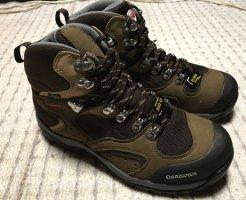 キャラバンの登山靴