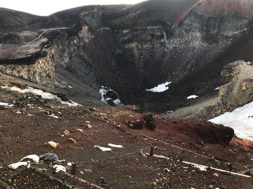 富士山山頂 火口口