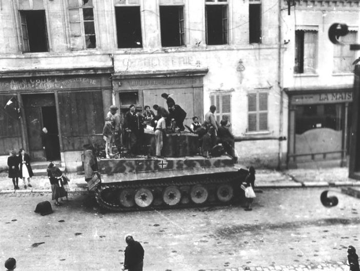 Tiger I of Schwere SS-Panzer Abteilung 101 in Marle.