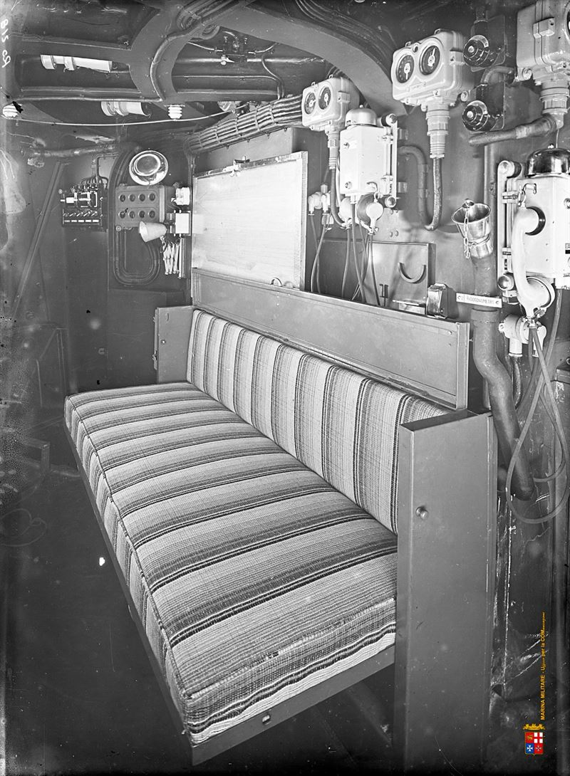 Aircraft Carrier Engine Room: Roma Battleship Interior Pictures