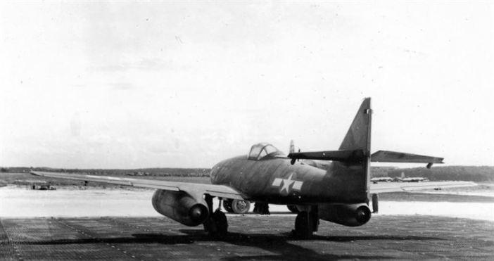 Messerschmitt Me262 in Bodensee, 1946. (Credits: Erich Sallard)