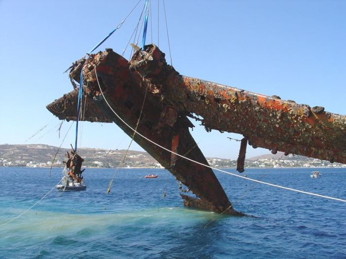 Junkers Ju 52 is lifted from the sea around Leros.