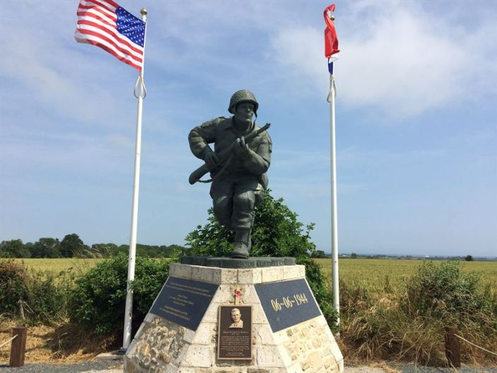 Statue of Dick Winters in Normandy near the village of Sainte-Marie-du-Mont, France (Manche)