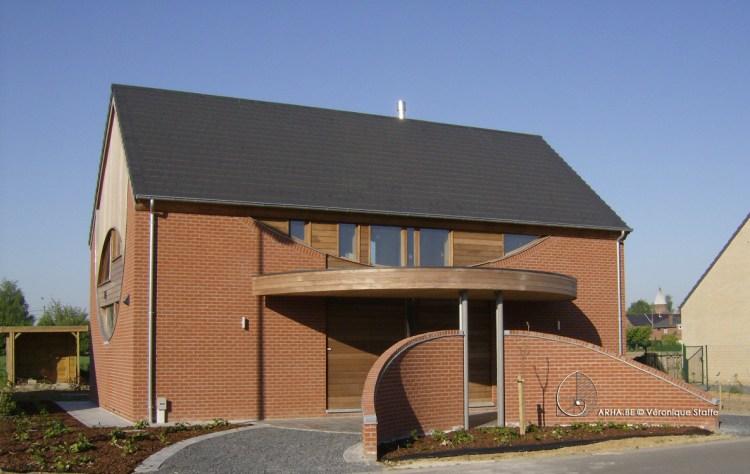 Maison écobioclimatique presque passive conçue par Véronique Staffe