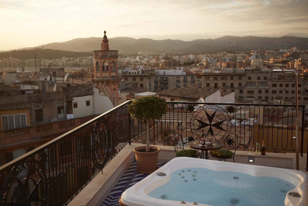 Hotel Cort,Rooftop terrace Island Suite.