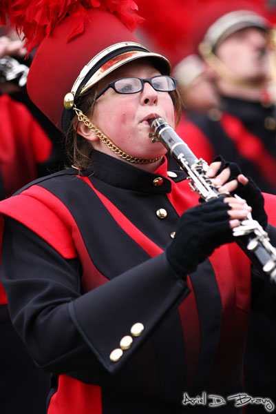 A clarinet player rockin' a horn pop