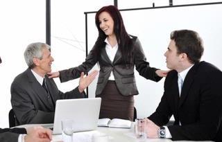 Komunikasi yang Menghipnotis (Bagian 2) – Menggerakkan orang lain tanpa disadari