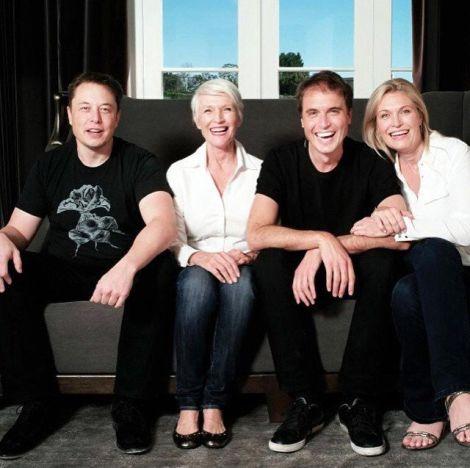 Elon Musk, Annesi Maye Musk, Kardeşi Kimbal Musk, Kardeşi Tosca Musk