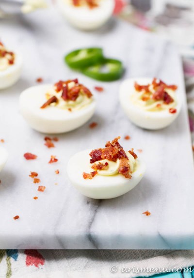 Jalapeno Popper Deviled Eggs: Bold, spicy and delicious with tons of flavor and NO mayo make this snack both healthy and crave-able!