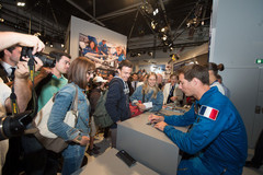 Thomas_Pesquet_meets_the_public_at_the_ESA_pavilion-2_576262.79