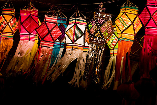 19 Unique Diwali Decoration Ideas To Beautify Your Home • One Brick on diwali lights, diwali party decorations, diwali celebrations,